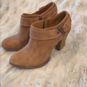Sofft Size 8.5 Tan Booties